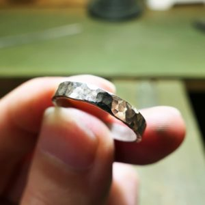 手作りの指輪